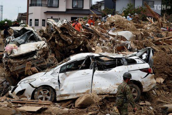 Кількість жертв повені в Японії зросла до 216 осіб