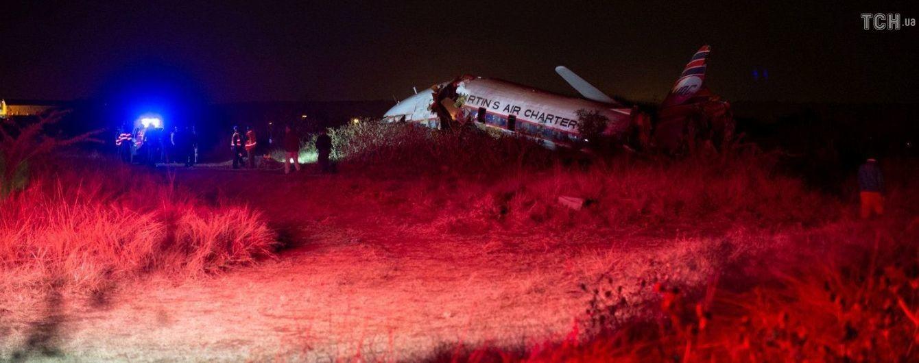 В результате катастрофы пассажирского самолета в Южной Африке выжило 20 человек