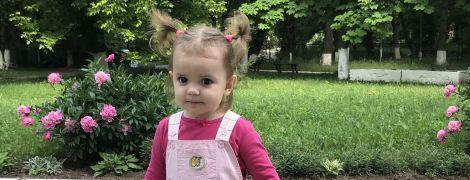 Дорогостоящая операция на ушках вернет слух Алисе