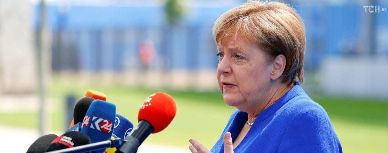 """Меркель ответила на обвинения Трампа в """"зависимости от России"""""""