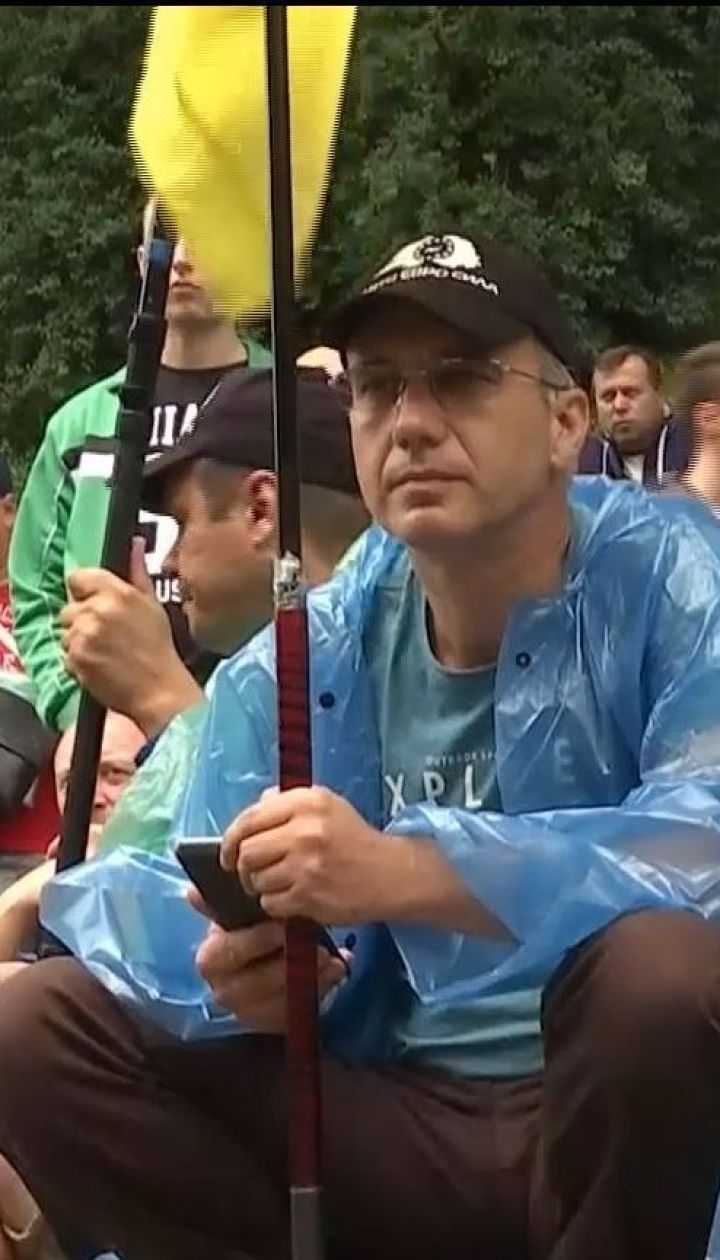"""Мітинг у Києві: водії """"євроблях"""" очікують реакції депутатів"""