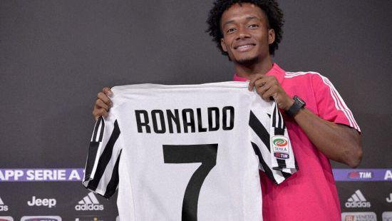 """Футболіст """"Ювентуса"""" віддав свій номер Роналду після його переходу"""