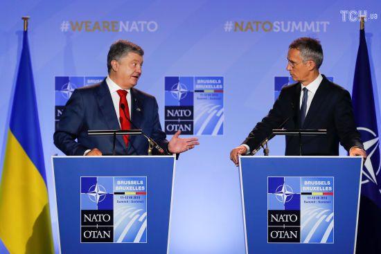 Порошенко назвав дату досягнення Україною всіх стандартів НАТО