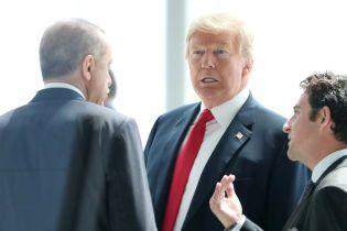 Водитель Трампа хочет отсудить у президента $ 200 тысяч