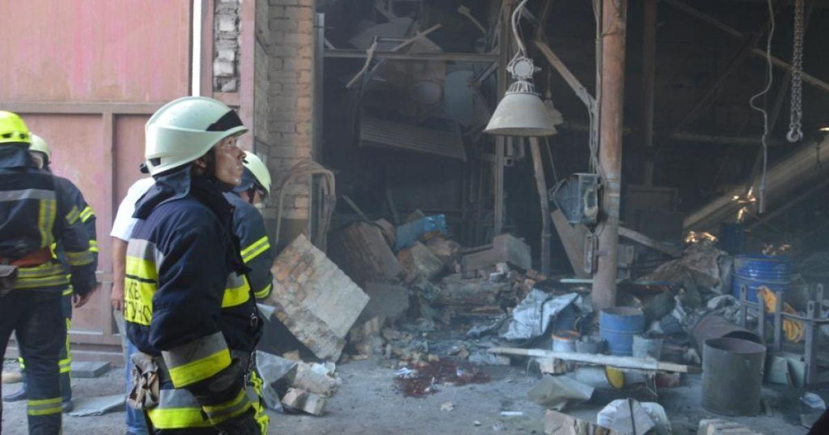 В Днепре в результате взрыва на предприятии погибли двое людей