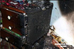 На Прикарпатті двоє дітей загинули у вогні, поки батько ходив до крамниці