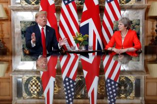 """Трамп заявил о """"сильных"""" отношениях США и Британии"""