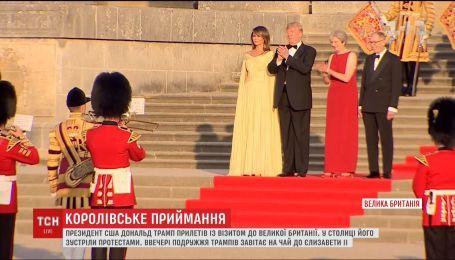 Дональд Трамп впервые прилетел с визитом в Великобританию