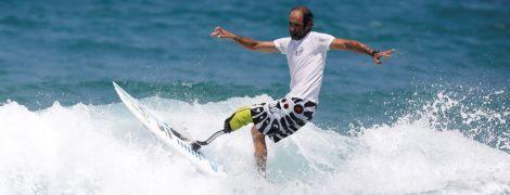 Підкорювачі хвиль. В Ізраїлі влаштували чемпіонат з серфінгу для людей з інвалідністю