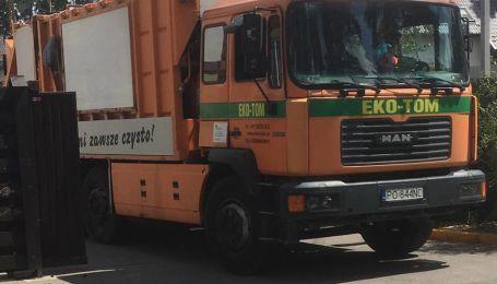 """Под Киевом заметили мусоровоз на """"евробляхах"""""""