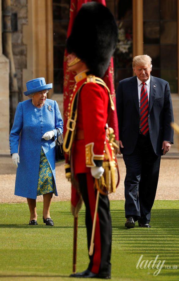 Королева Елизавета II, Мелания Трамп и Дональд Трамп_4