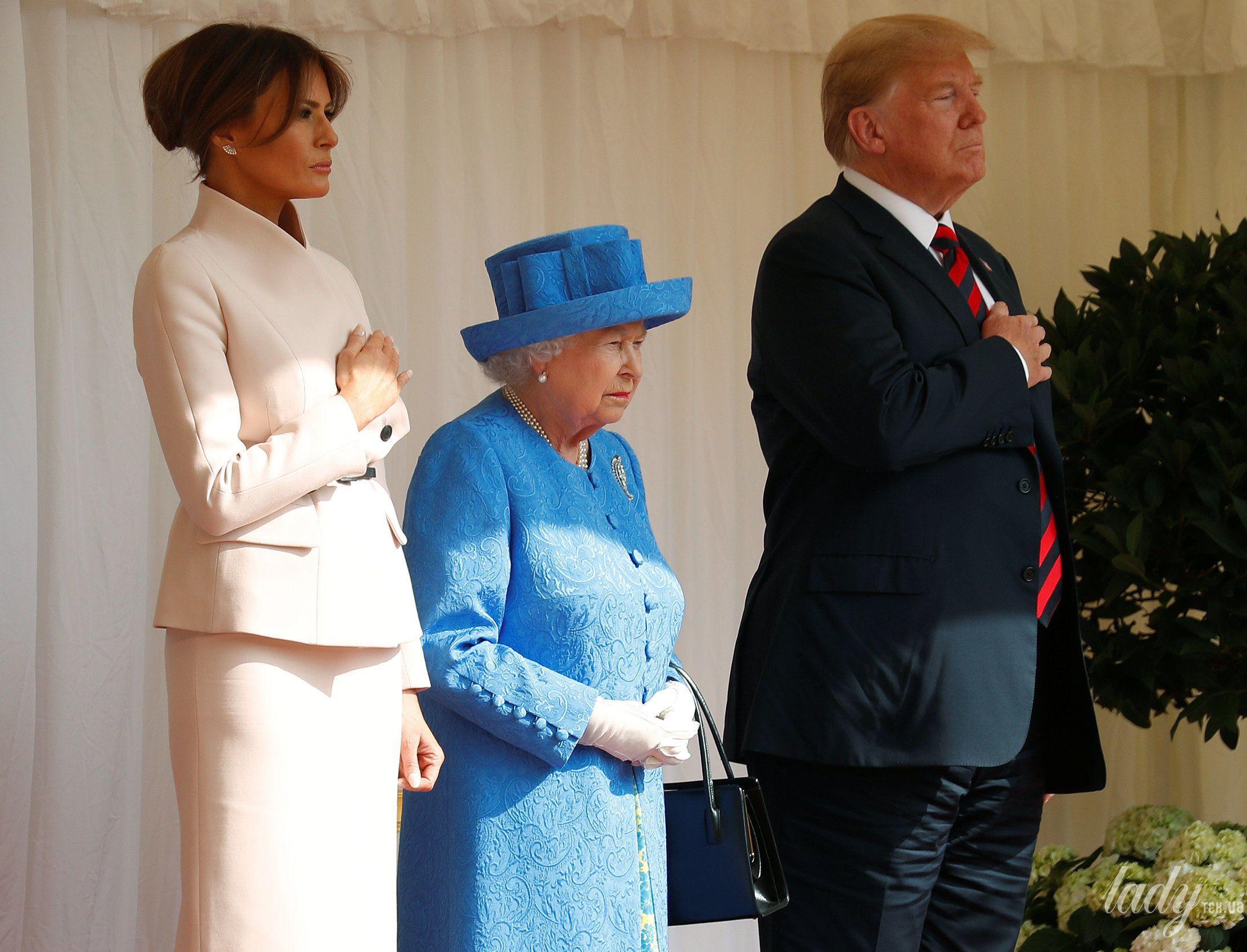 Королева Елизавета II, Мелания Трамп и Дональд Трамп_1