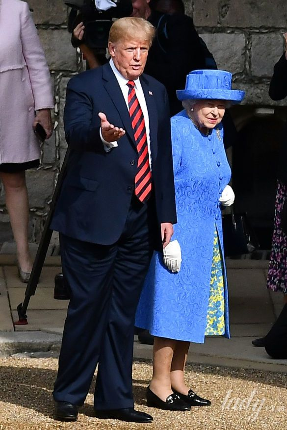 Королева Елизавета II, Мелания Трамп и Дональд Трамп_11
