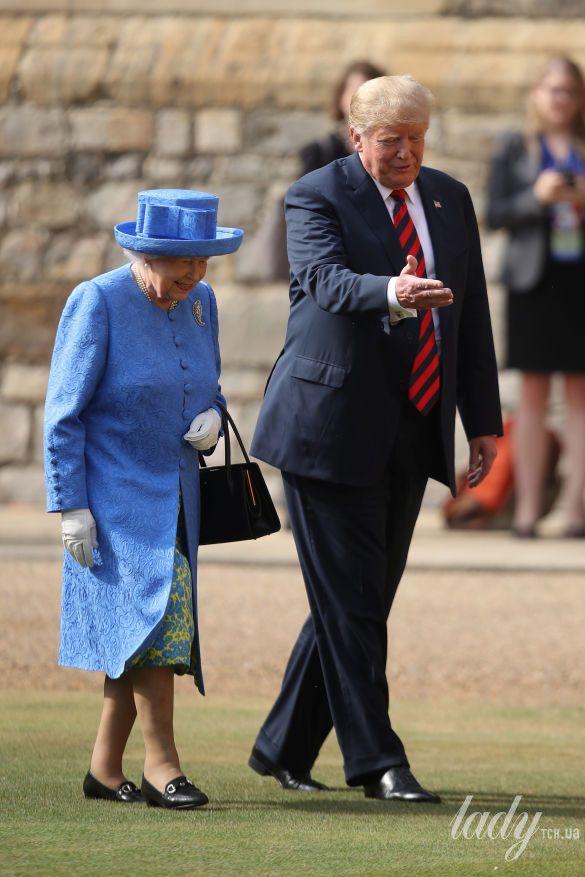 Королева Елизавета II, Мелания Трамп и Дональд Трамп_9