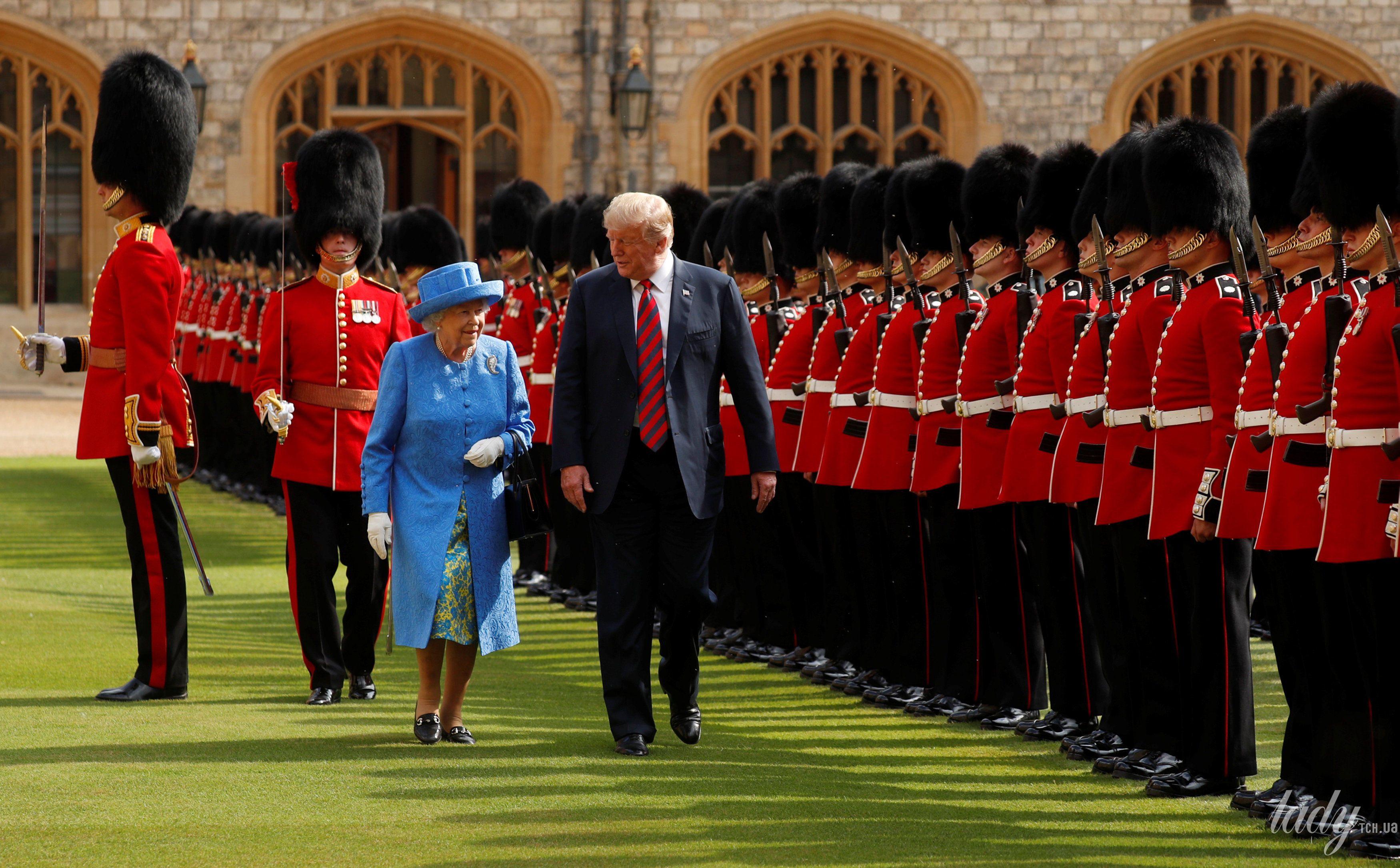 Королева Елизавета II, Мелания Трамп и Дональд Трамп_8