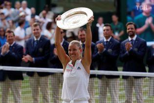Кербер легко разобралась с легендарной Сереной Уильямс в финале Wimbledon