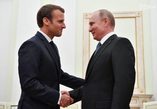 Макрон зустрівся з Путіним перед фіналом Чемпіонату світу