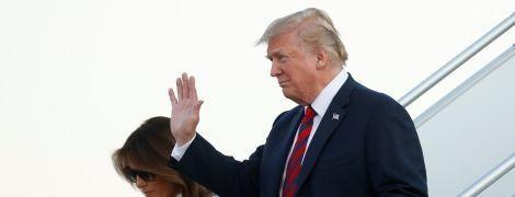 Борт № 1 та величезний кортеж: Трамп із дружиною прибув до Гельсінкі