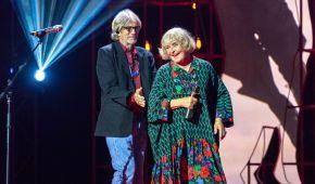 Ерік Робертс вручив почесну премію Одеського кінофестивалю Аді Роговцевій