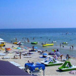 Широкие пляжи и новая набережная: чем привлекает черноморский курорт Коблево