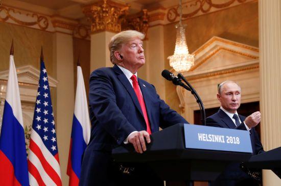 Трамп їхав на зустріч з Путіним з планом жорсткої розмови, але зробив все навпаки - ЗМІ