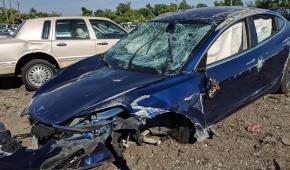 Tesla Model 3 доказала свою безопасность в жуткой аварии