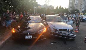 """В Одессе подросток за рулем """"евробляхи"""" протаранил Tesla Model S"""