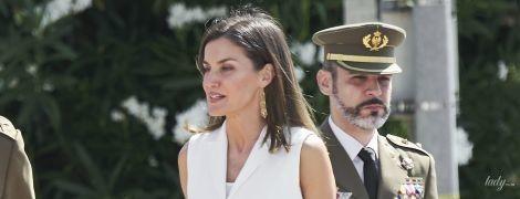 Вся в белом: изящная королева Летиция вышла на публику в новом образе