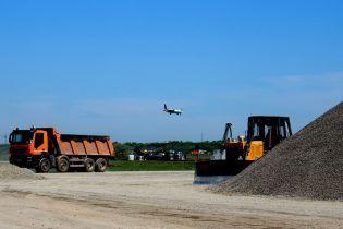 """Уряд дофінансував понад 250 млн гривень на будівництво """"злітки"""" в аеропорту Одеси"""