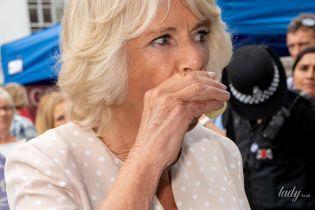 Пьет не только вино: герцогиня Корнуольская весело отпраздновала день рождения