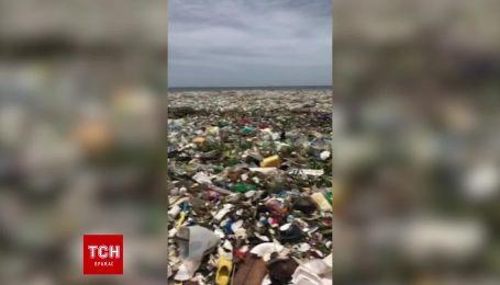 В Сети появились кадры загрязнения побережья Санто-Доминго