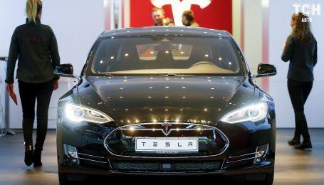 Німеччина примушує власників Tesla Model S повернути чотири тисячі євро субсидії