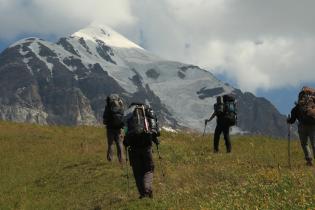 В горах Грузии нашли пропавших украинцев, но приблизиться к ним не удается