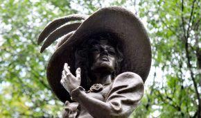 У Харкові відкрили пам'ятник актрисі Людмилі Гурченко
