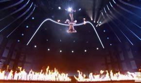 """Акробатка зірвалася з висоти у вогонь на шоу """"America's Got Talent"""""""