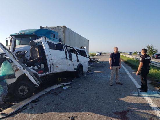 ДТП на Миколаївщині: пасажири маршрутки поділилися тим, що їм довелося пережити