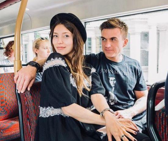 Регіна Тодоренко підтвердила стосунки з російським співаком і засвітила вагітний живіт