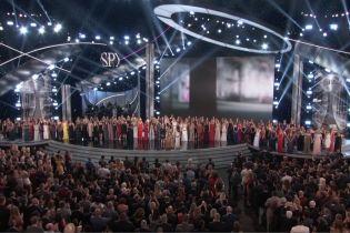Более 140 жертв домогательств экс-врача сборной США по гимнастике получили премию за мужество