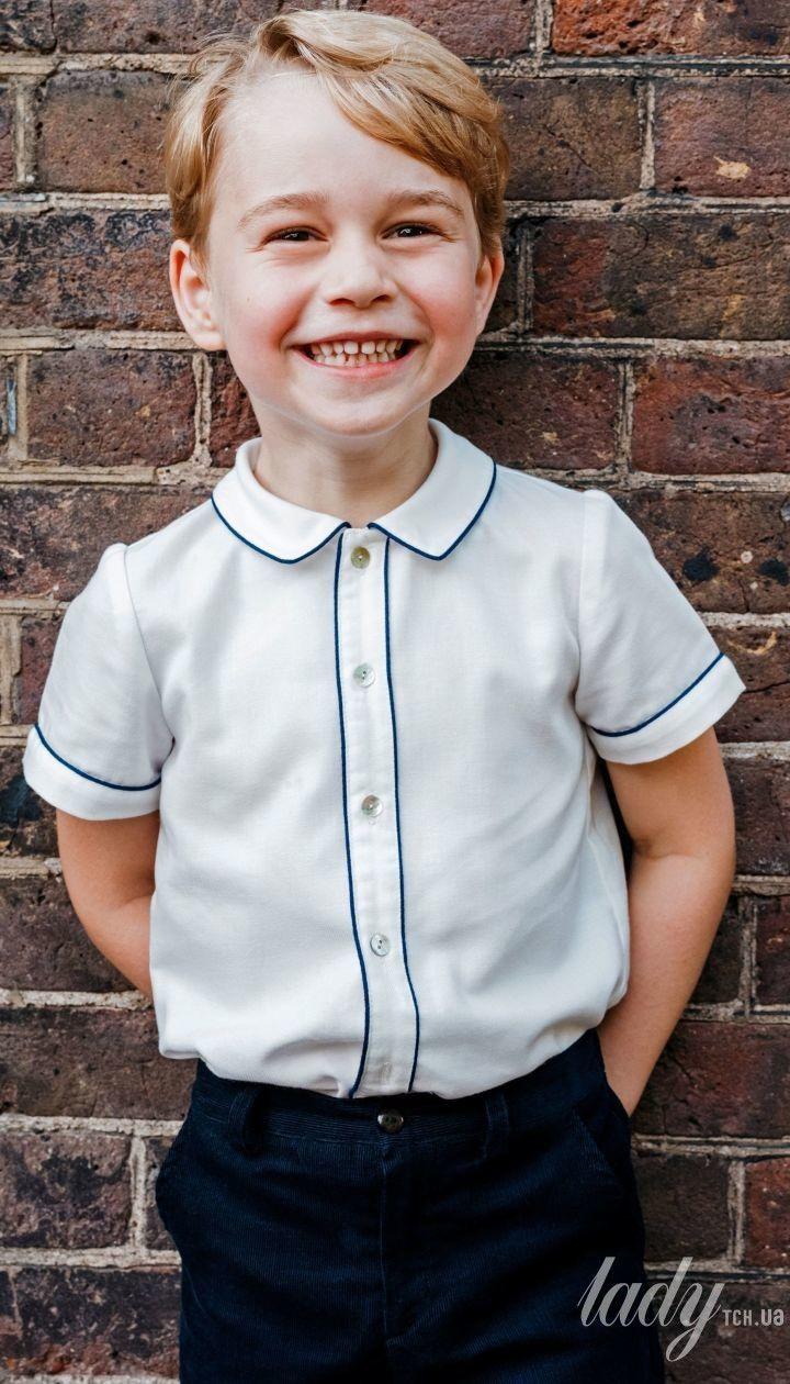 Принцу Джорджу 5 лет: Кенсингтонский дворец опубликовал новое фото к именинам старшего сына Кембриджей