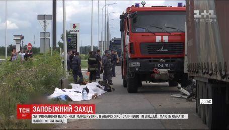 Власнику маршрутки, що врізалася у фуру на Житомирщині, готуються обрати запобіжний захід