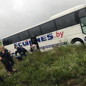 Під Києвом у кювет вилетів автобус із білорусами