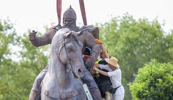 Кличко і Вірастюк відкрили пам'ятник Іллі Муромцю в Києві