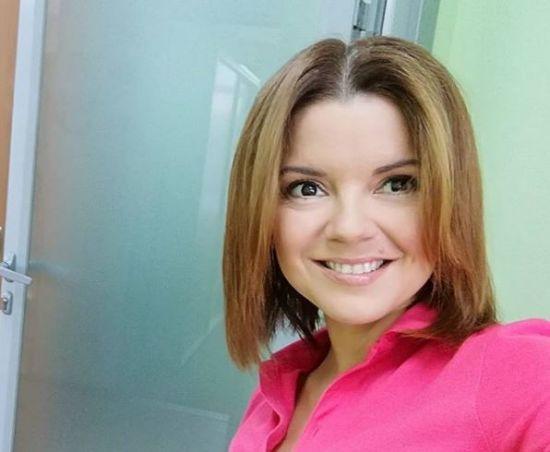 Струнка Марічка Падалко похизувалася пласким животиком у купальнику