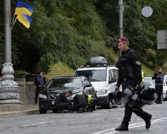 Поліція направила до суду справу щодо двох членів банди, яка влаштувала вибух на Грушевського
