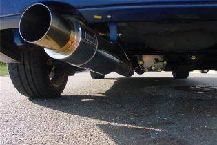 В Англии будут штрафовать за работающий на парковке двигатель