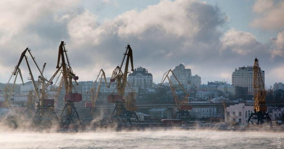 В Одесі через морози запарувало море