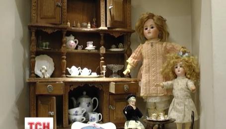 В Одессе открылась выставка уникальных антикварных кукол