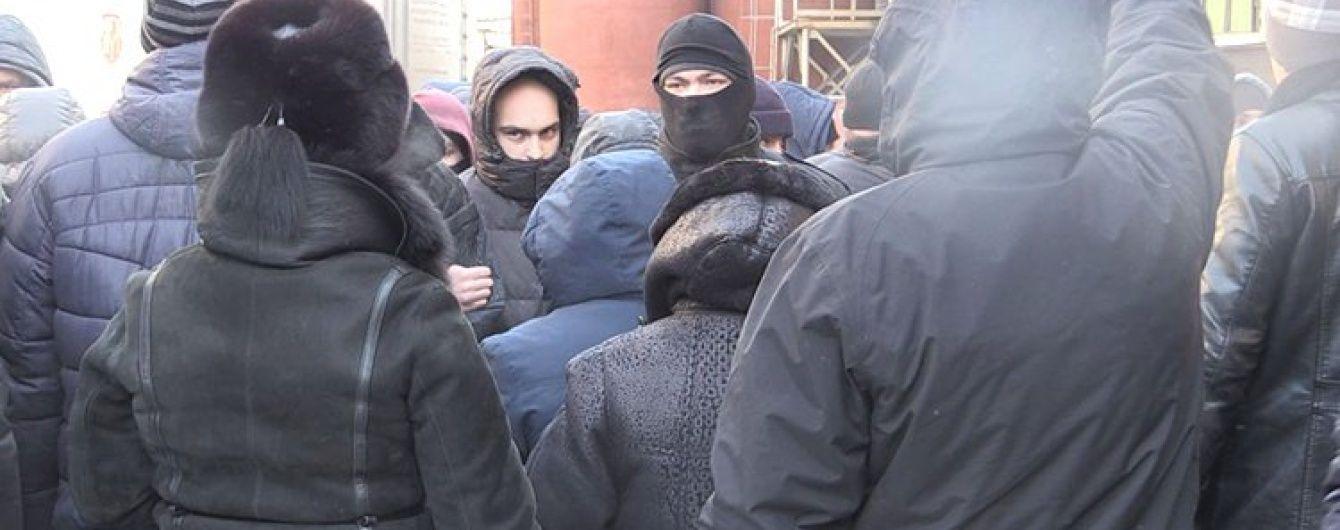 """У Житомирі """"тітушки"""" напали на журналістів"""