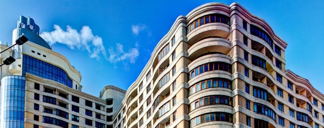 """Налоги на """"избыточное"""" жилье и элитные авто: кому и сколько платить"""
