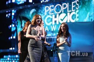 People's Choice Awards 2016: традиційний Депп, елегантна Хадсон та стильний наречений Леді Гаги